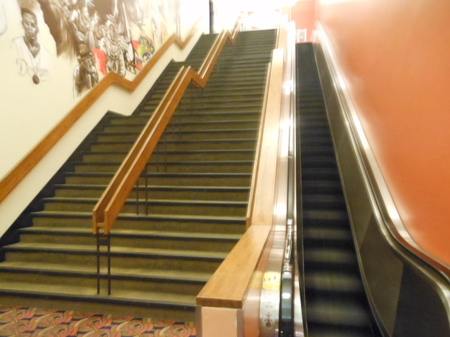Escalator and staircase from main lobby to exit
