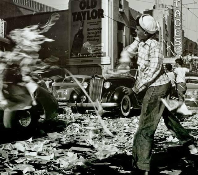 VJ Day 1945. Photo courtesy of Carol Momsen.