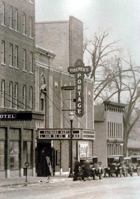 FISCHER'S PORTAGE Theatre; Portage, Wisconsin.