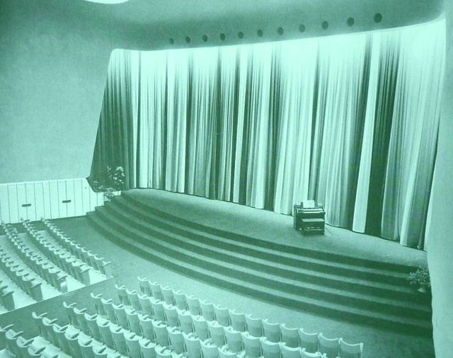 Cinerama room with Hammond Organ