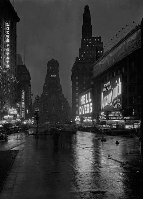 1932 photo courtesy of Maria via The Old New York Page -Facebook page.