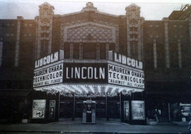LINCOLN SQUARE Theatre; Decatur, Illinois.