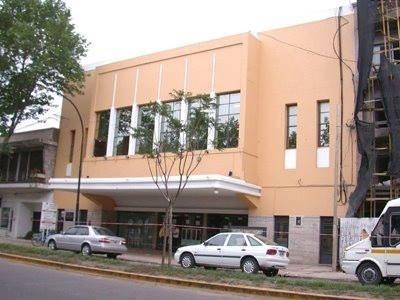 Facade theater