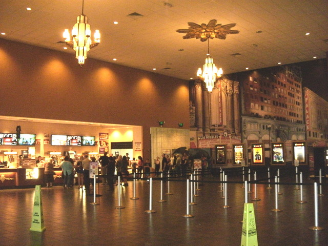Cinemark 15 Vista Ridge Mall