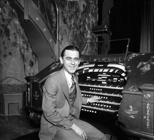 Stan Kann at the Fox Wurlitzer