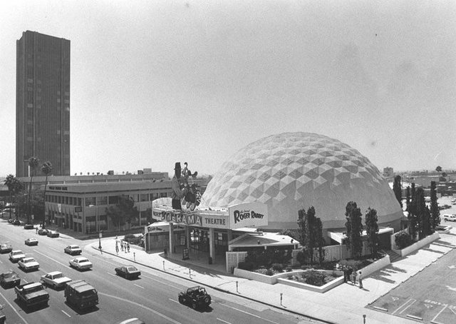 "Pacific's Cinerama Dome during the ""Who Framed Roger Rabbit"" engagement. Photo and copy courtesy of Bill Gabel."