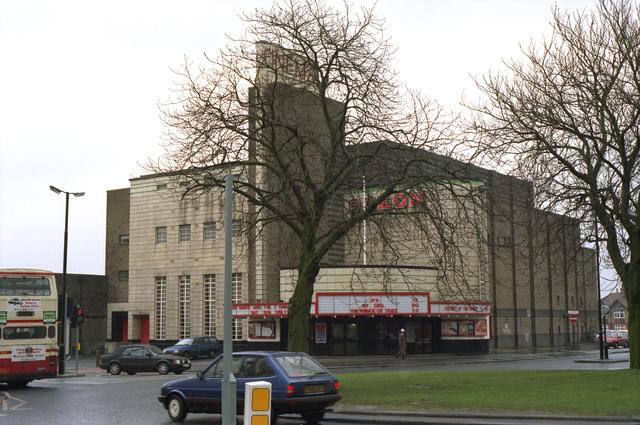 Odeon Harrogate - March 1992 - Wide Angle
