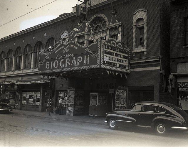 1945 photo.