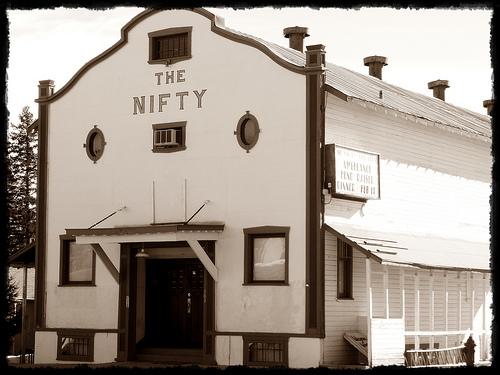 Nifty Theatre