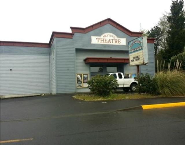 Neptune Twin Theatre In Long Beach Wa